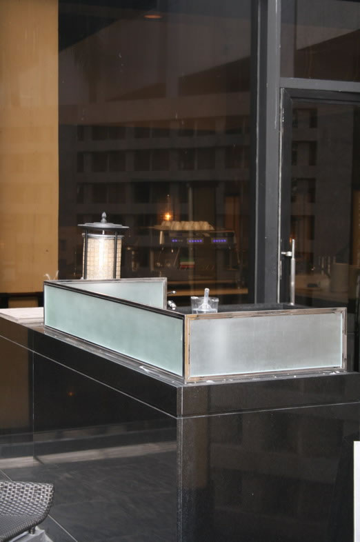 Counter Top Glass in stainless frame