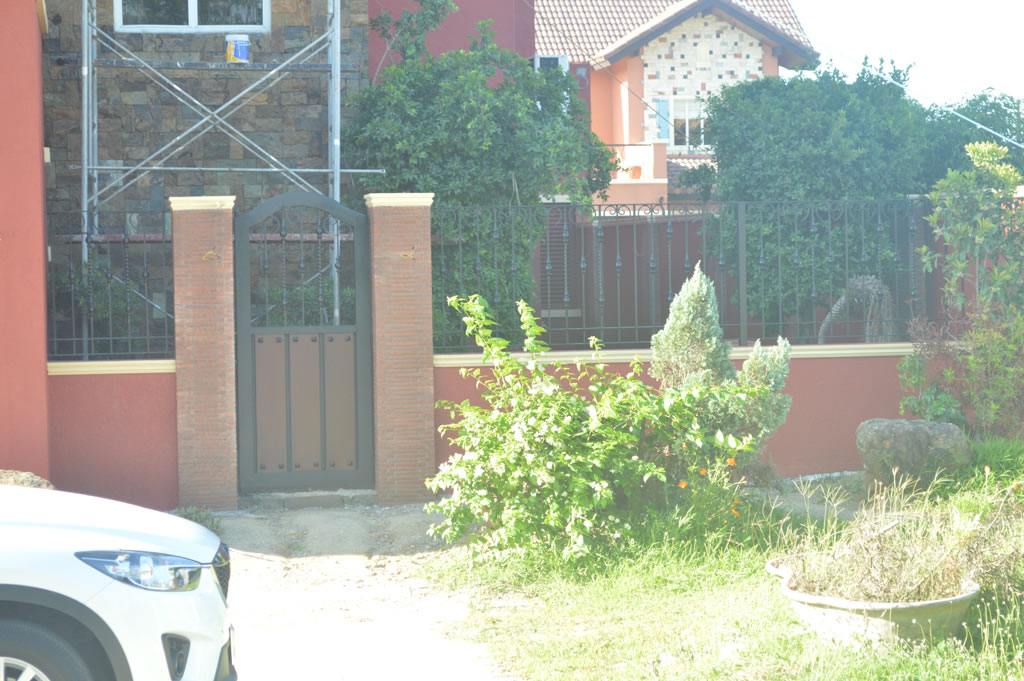 Wought Iron Grills Gates, Fences, Balcony Railing.