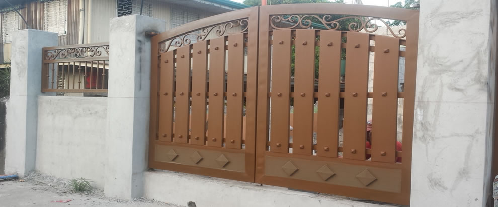 Entrance Gate Wrought Iron in Wood Finish