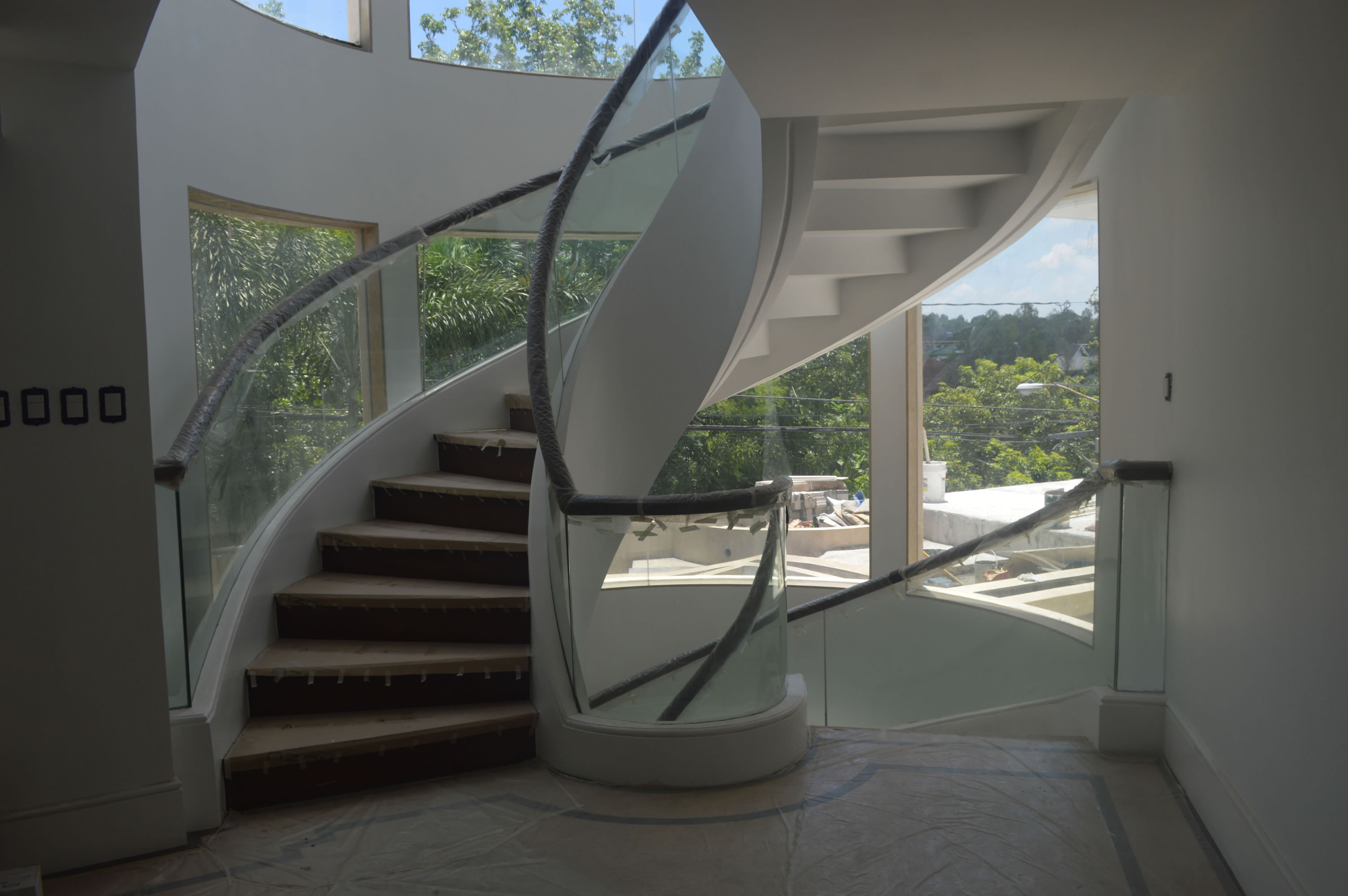Glass Railing Curved Cavitetrail Glass Railings