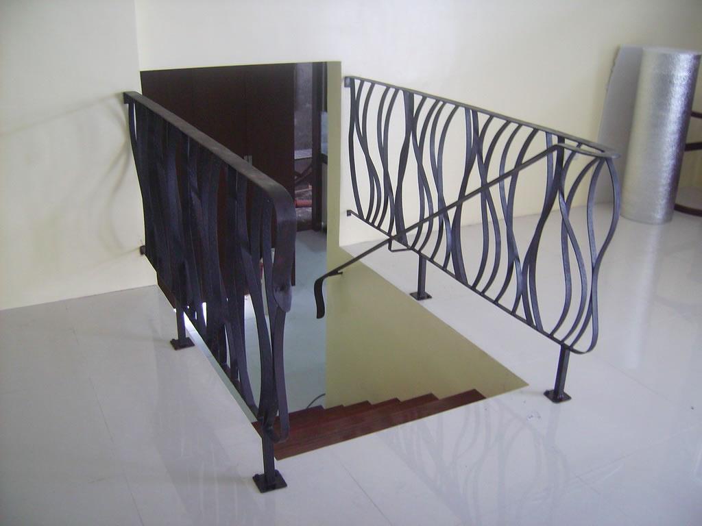 Customized Stair Railing Cavitetrail Glass Railings