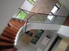Frameless Glass Staircase